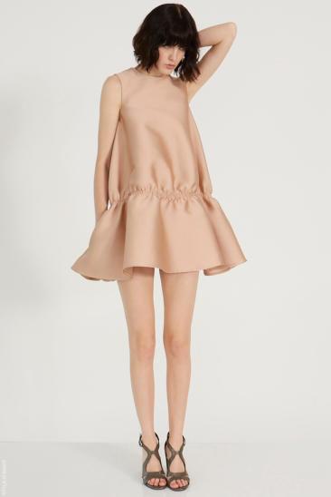 vestido de cintura baja